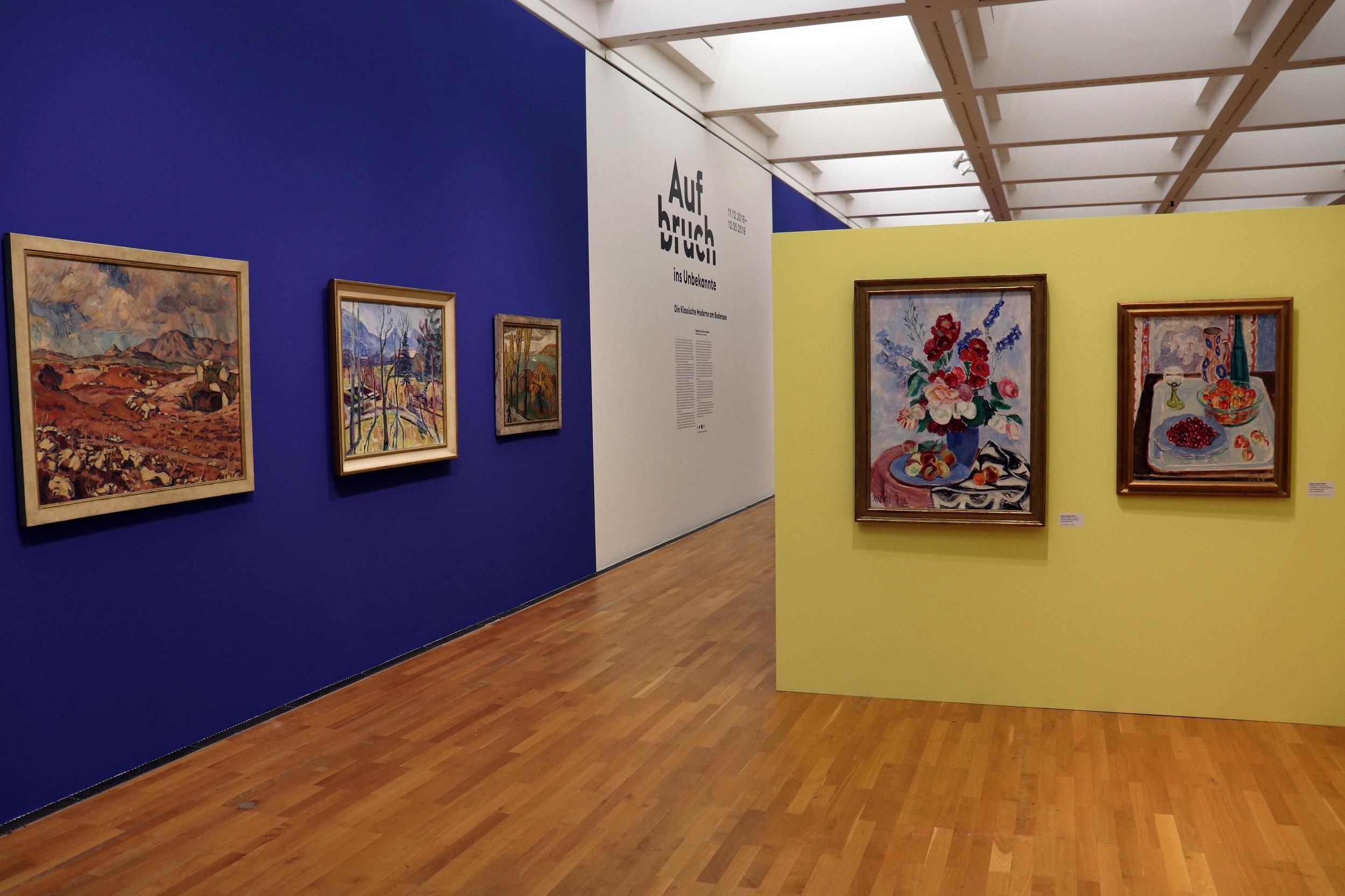 """Ausstellungsansicht, """"Aufbruch ins Unbekannte"""", Landschaft und Stillleben"""
