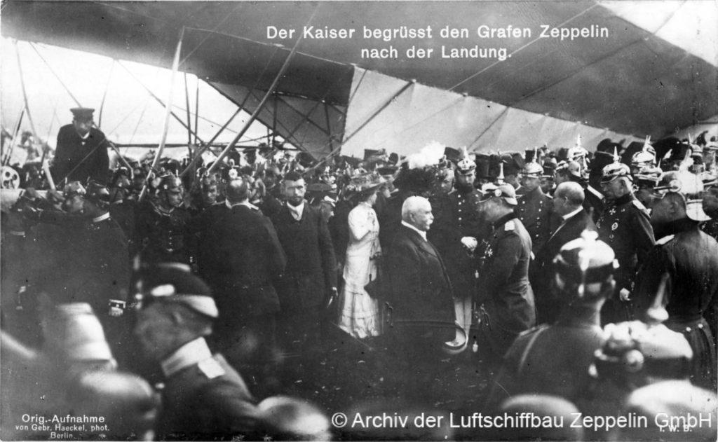 Der Kaiser begrüßt Graf Zeppelin