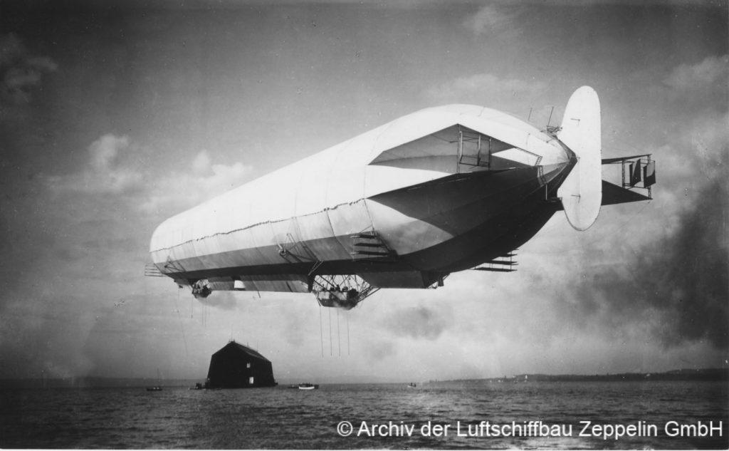 Das Luftschiff zurück in Manzell