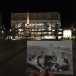 Vor dem Gewandhaus in Leipzig